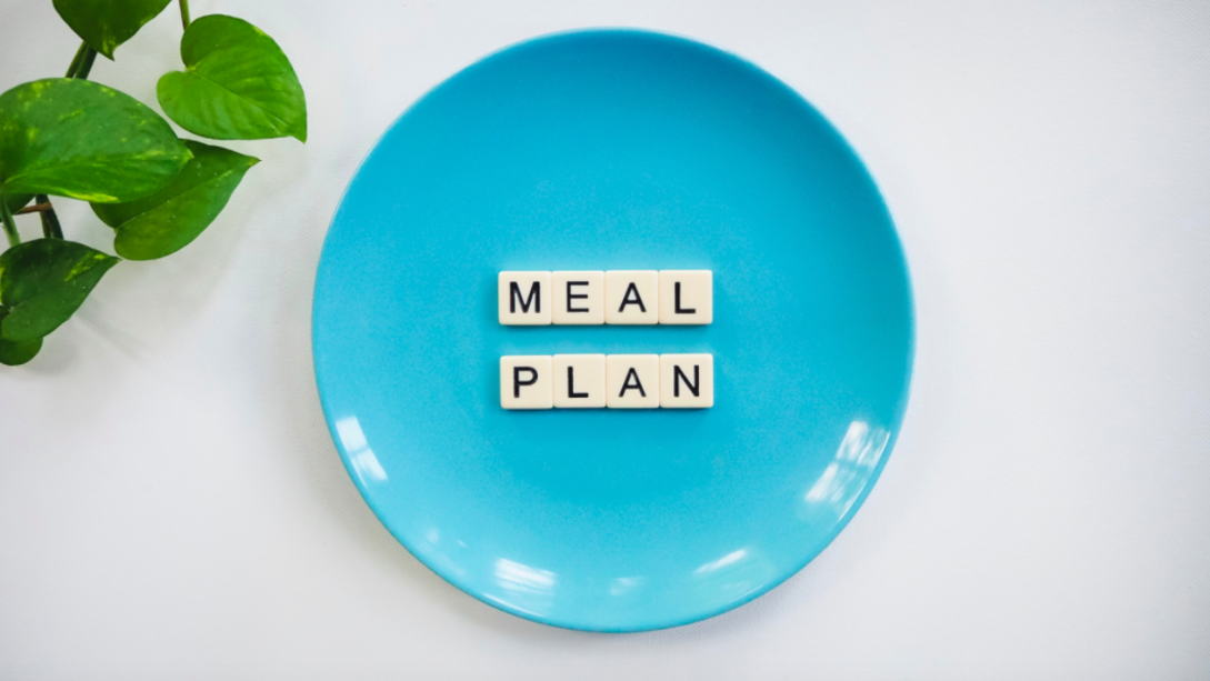 Blue Plate With Meal Plan written on it